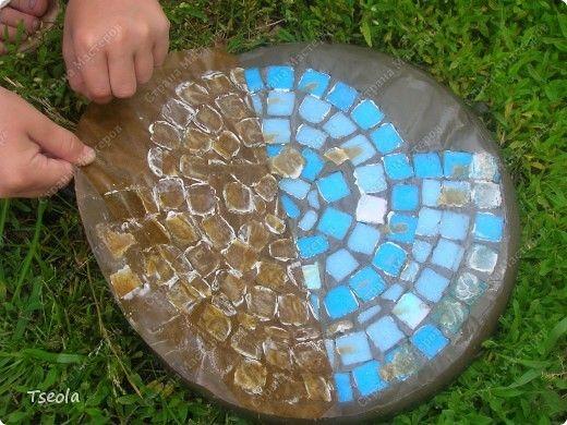 Заливка бетона в форму для плитки