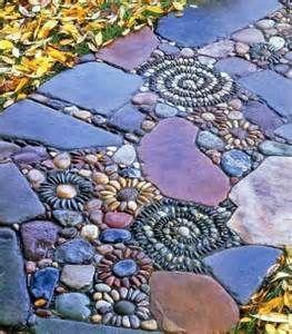 Дорожка с мозаикой