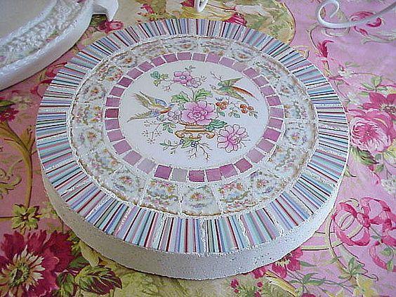 Плитка с мозаикой из битой посуды