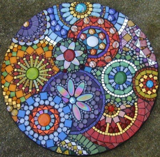 Плитка из бетона с мозаикой