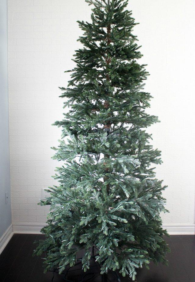 Шаг 1: устанавливаем новогоднюю елку