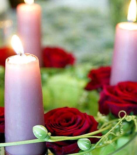 Свечи - романтическое украшение к Новому году