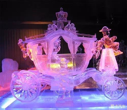 Харбин. Ледовый фестиваль. Карета изо льда