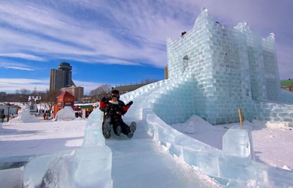 Зимний карнавал в канадском Квебеке