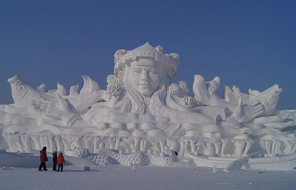 Международный фестиваль ледовых скульптур в китайском Харбине